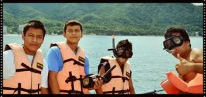 """Snorkeling with Kids at """"Los Arcos"""""""