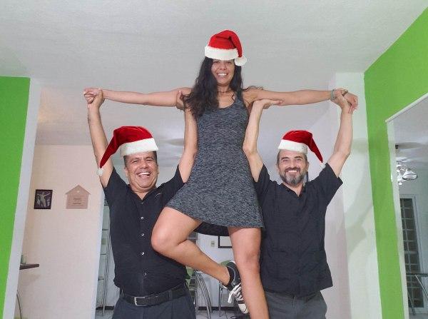 ¡Israel, Karla y Rafa navideños!